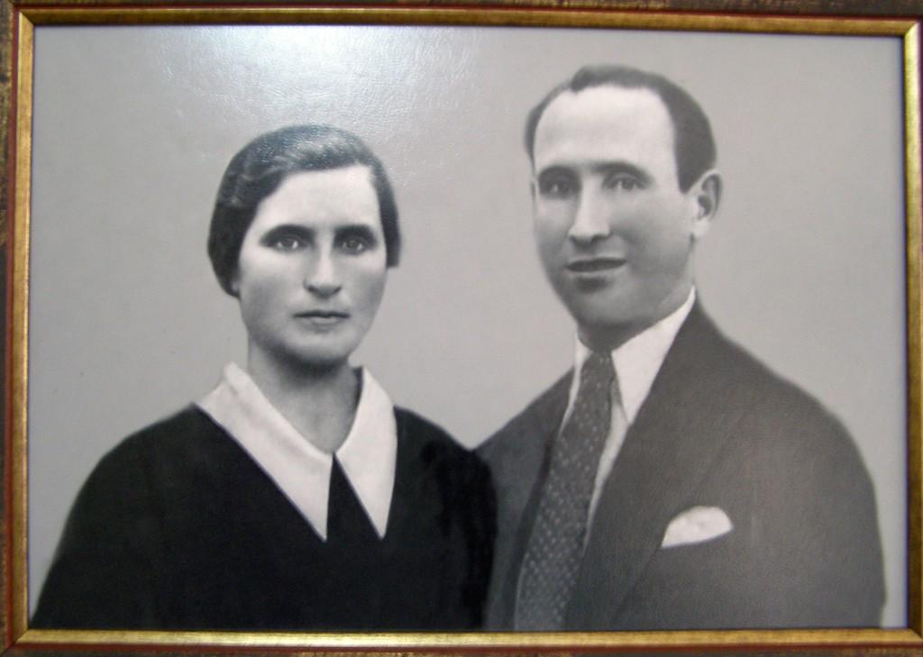 Os pais de Camilo o día que casaron, nos anos vinte